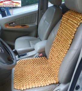 Lót ghế ô tô hạt gỗ thông
